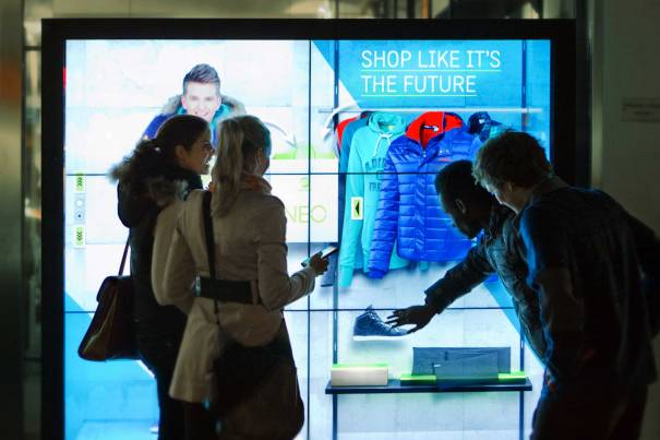 adidas_window_shopping
